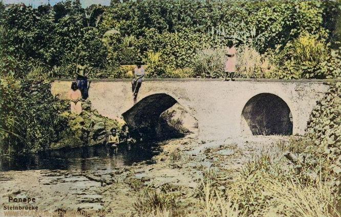 Karolinen. Ponape, Steinbrücke