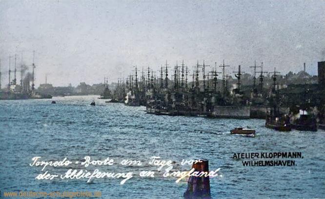Torpedo-Boote am Tage vor der Ablieferung an England. Atelier Kloppmann, Wilhelmshaven.