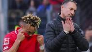 Handschlag verweigert: Spieler Kunde (links) und  Trainer Beierlorzer.