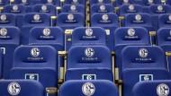 Keine Spieler, keine Zuschauer, keine Einnahmen: Schalke 04 gerät durch die Coronakrise unmittelbar unter Druck.