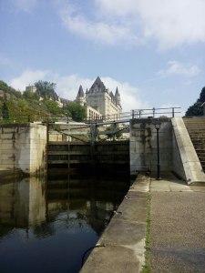 Canal Rideau et Château Laurier