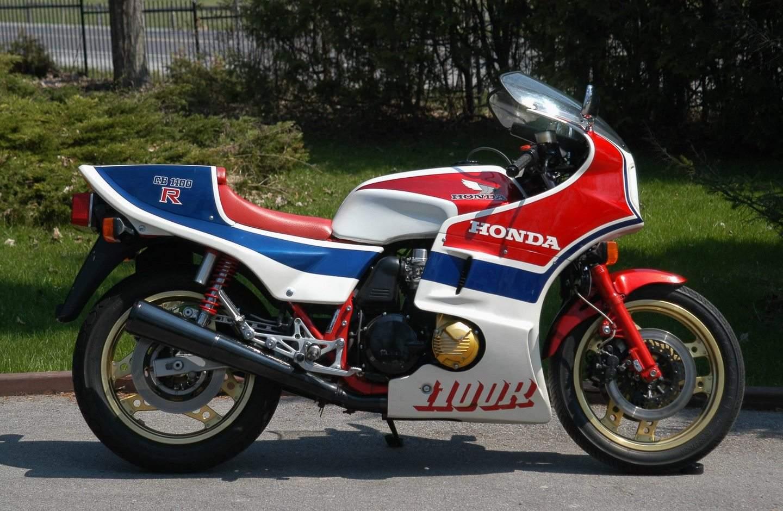 Honda CB 1100 R - Supersportler mit Sonderstellung
