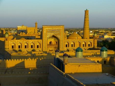 Médersa Mohamed Rahim Khan à Khiva, partir en Ouzbékistan avec une agence Nirvatravel