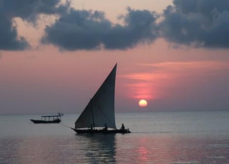 Coucher de soleil sur l'ile de Zanzibar, vacances en Tanzanie avec Nirvatravel