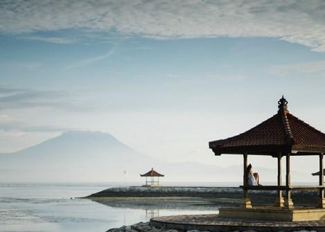 Temple sur le lac Batur, voyage à Bali avec une agence Nirvatravel