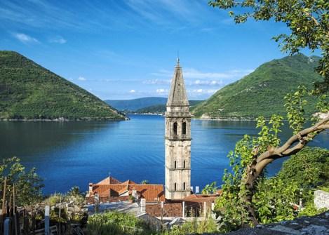 Vue sur 'église du village de Perast, voyage au Monténégro avec Nirvatravel