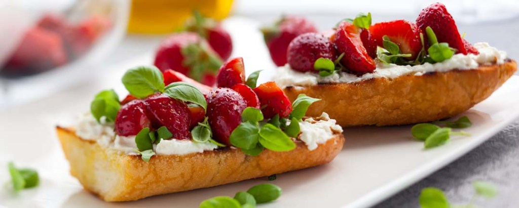 St. Supery Strawberry and Chevre Bruschetta with Balsamic Reduction