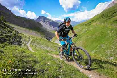 outdoor mtb yeti photography