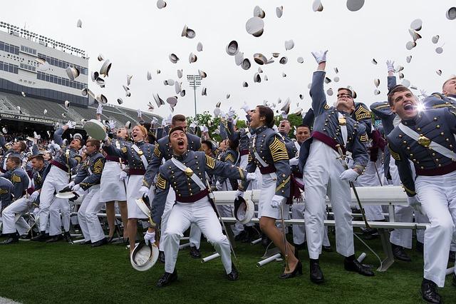 graduation-679944_640