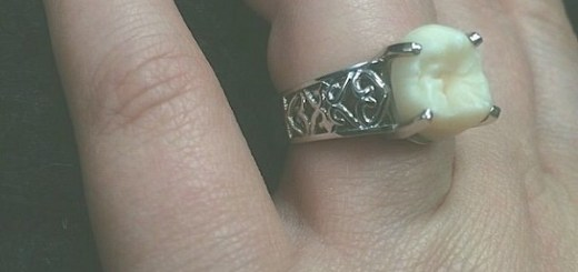 You might be surprised to know what this woman wears as her engagement ring