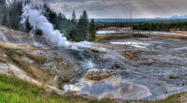 Yellowstone has several boardwalks