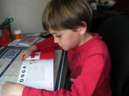favoriser l'apprentissage de vos enfants La luminopédagogie permet de faciliter l'attention et la concentration, ainsi que la mémoire au moment des leçons. cette technique pédagogique favorise l'apprentissage de vos enfants