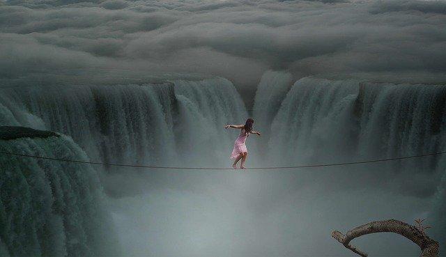 Image d'une personne qui ose prendre un risque et quitter le confort