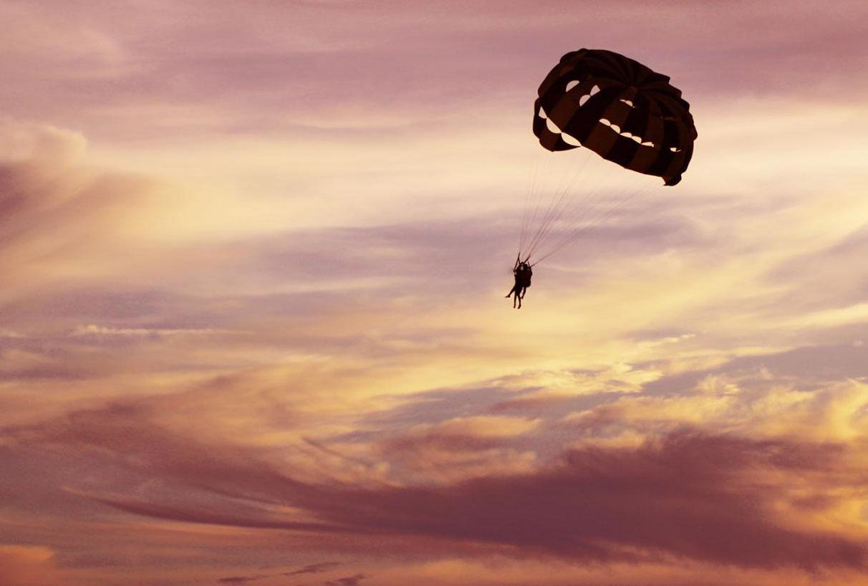 La naissance, comme un saut en parachute