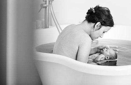 Les besoins de maman et bébé lors d'une naissance respectée