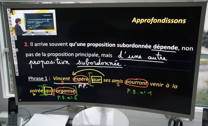 Exemple de l'explication de grammaire française dans une vidéo d'un Cours Griffon