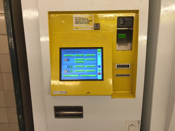 Máquina expendedora de boletos en Berlín.