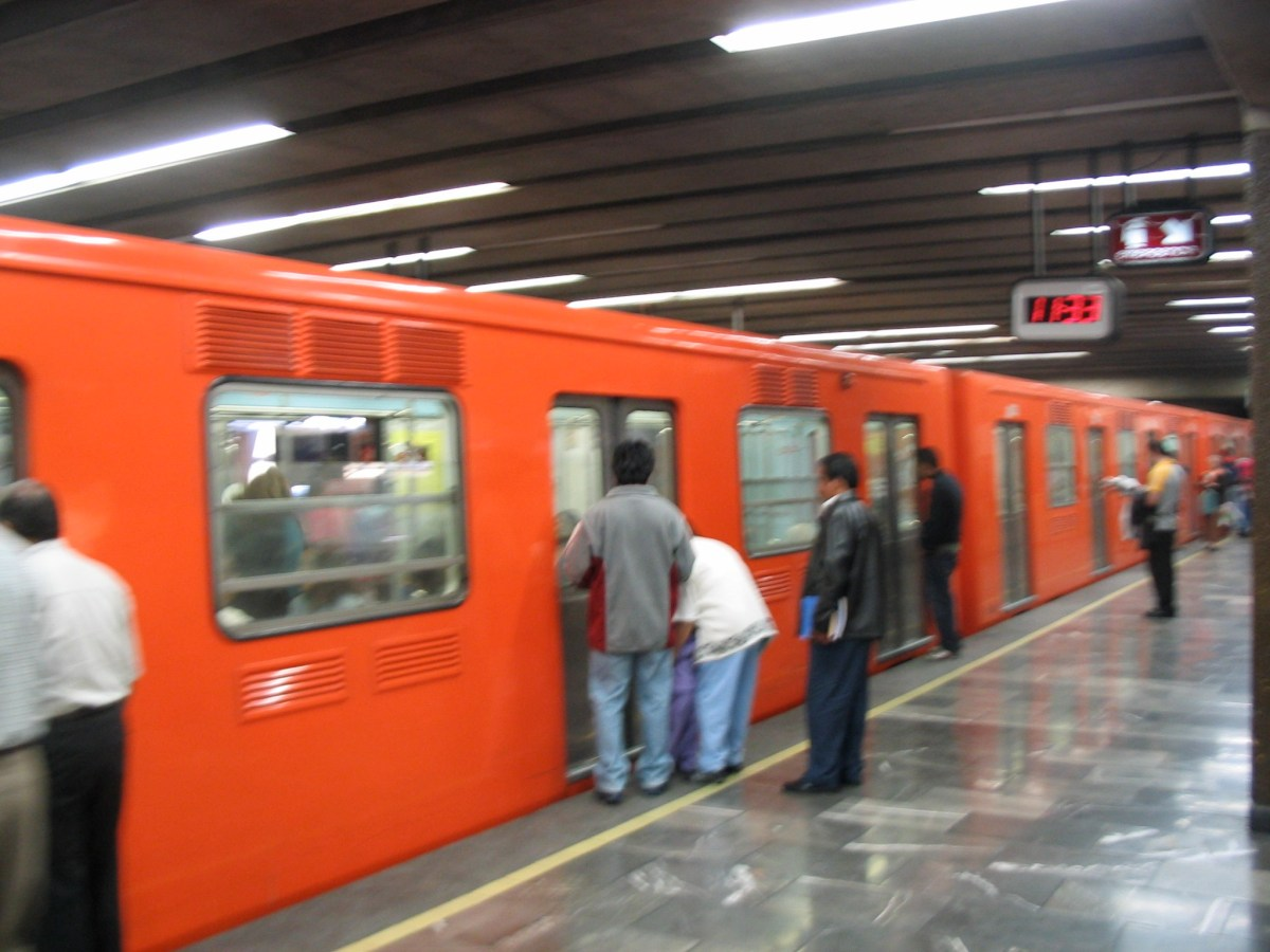Cómo ir del aeropuerto de México al centro en Metro