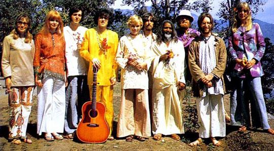 Beatles-Donovan-India1