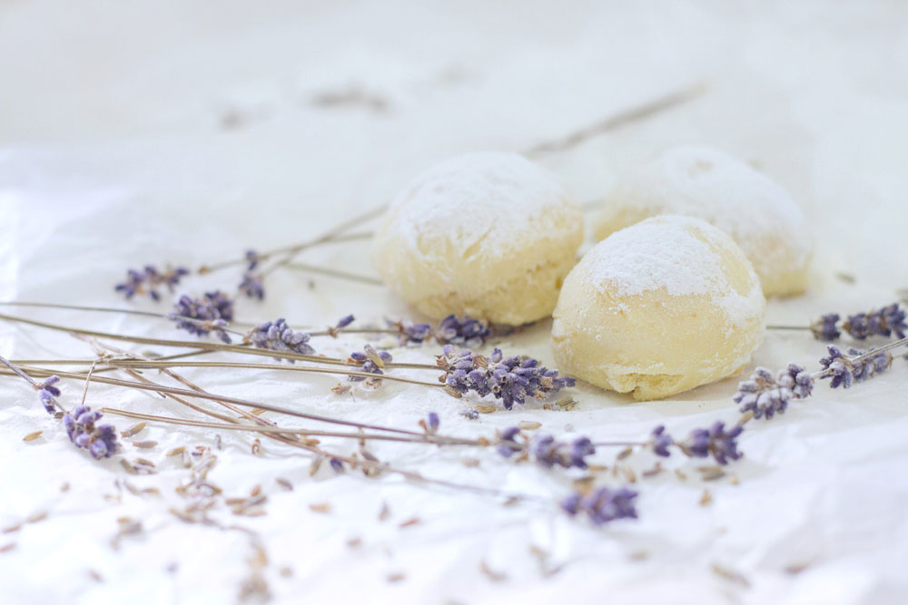 Weekend Kitchen: Lavender & Vanilla Beignets
