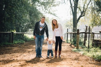 Devin Lester Photography Harvey Family Photoshoot Irene Dairy Farm