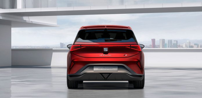 SEAT_el_Born_plugged_into_electric_mobility_05_HQ