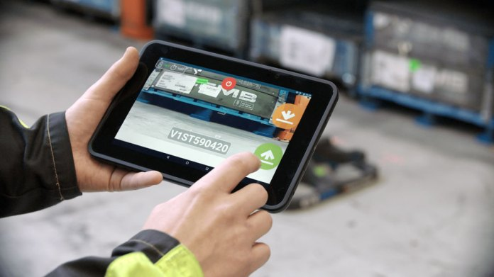 renault-Trucks-tablet