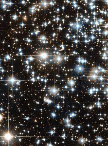 444px-NGC6397 starlight spikes NASA for Wikipedia Public Domain