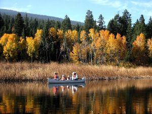 https://commons.wikimedia.org/wiki/File:Canoe_8179.jpg