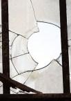 https://commons.wikimedia.org/wiki/File:Broken_window_large.jpg