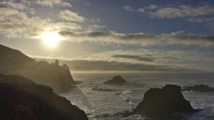 https://commons.wikimedia.org/wiki/File:Sunrise_along_the_Oregon_Coast_-_panoramio.jpg
