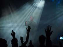Audience hands - Wikimedia - Public Domain