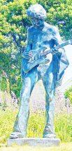 https://commons.wikimedia.org/wiki/File:Jimi_Hendrix_statue_outside_Dimbola_Lodge.JPG
