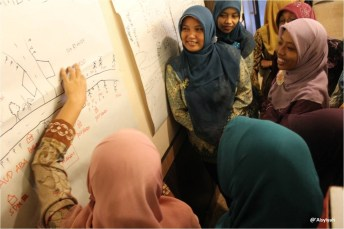 Women join Aisyiyah's leadership training.