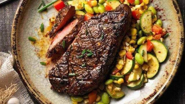 steak daging 7 Masakan Paling Pas Buat Merayakan Idul Adha