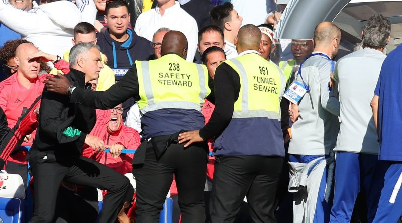 Jose Mourinho Berkelahi Dengan staf Pelatih Chelsea