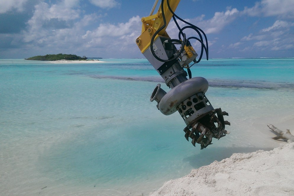 Dredging in Maldives 2