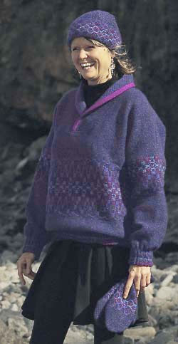 Pullover sweater in Iris