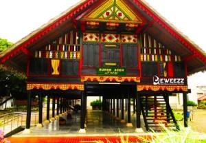 gambar rumah tradisional indonesia