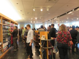 Crowded APPLE Company Store