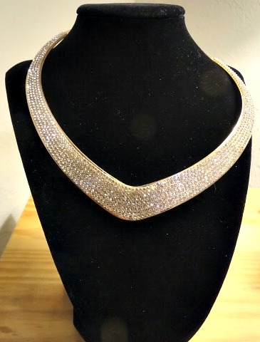 Necklace - costume, gold V with rhinestones11