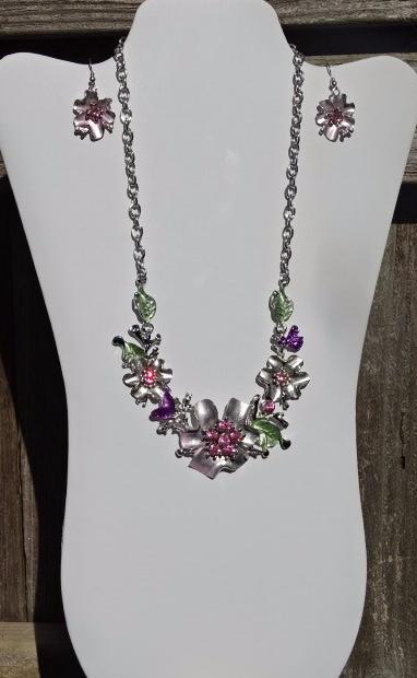 Necklace, pink, silver flowers & earrings2