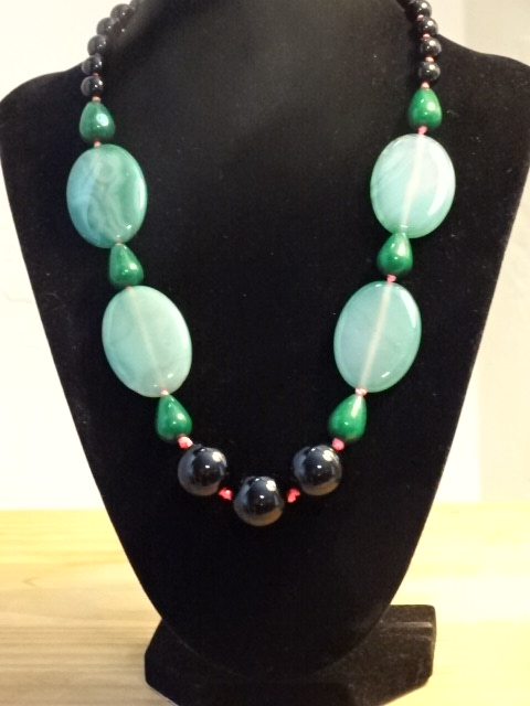 Necklace - costume, Green jade, red thread1