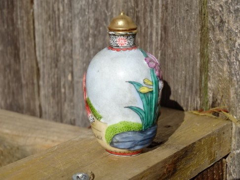 Snuff bottle, fox & flowers, hand-painted