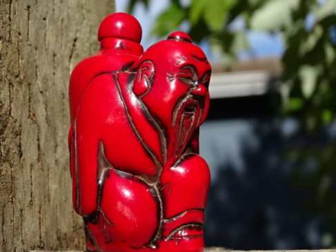 Snuff bottle, red, old man