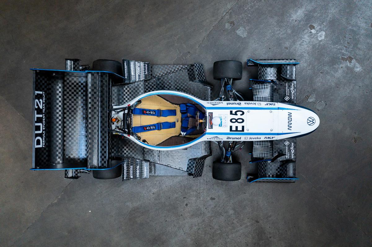Top down foto van de DUT21 van Formula Student Team Delft