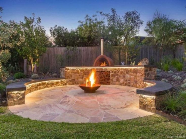Awesome Backyard Fire Pits with Seating Area