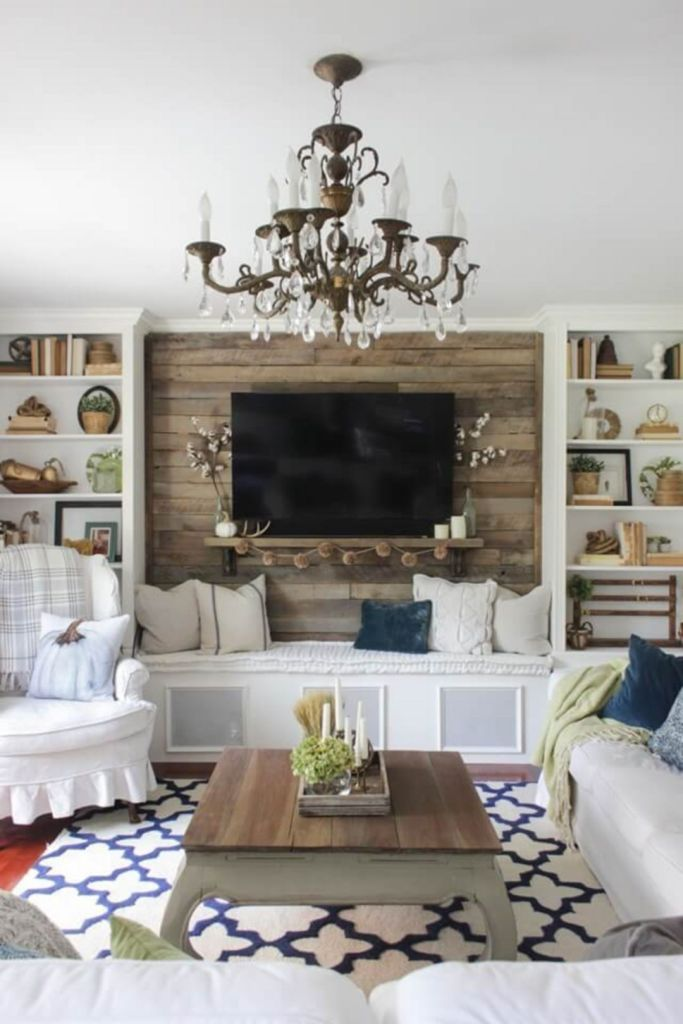 Simple Fall Farmhouse Living Room with Pallet Accent Wall