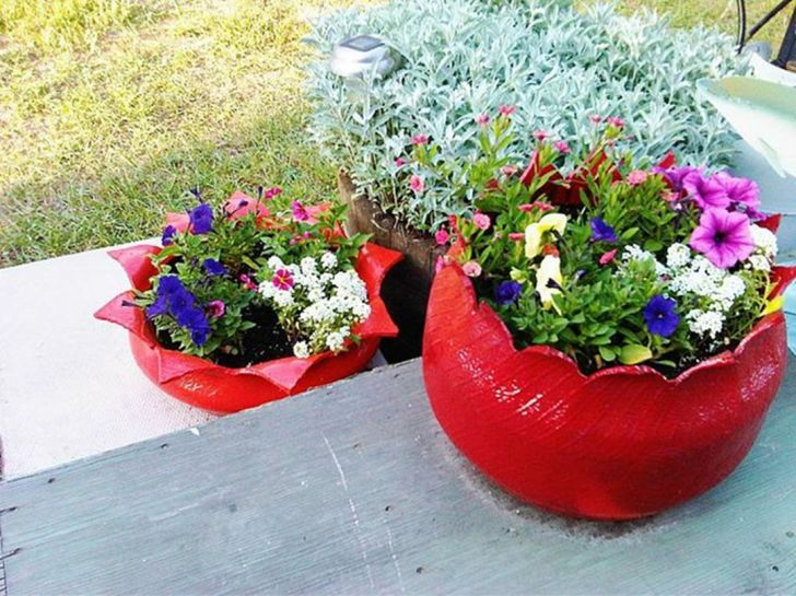 Planters made from old tires