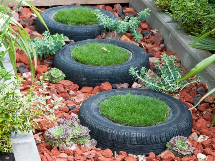 Recycle Garden With Used Tire